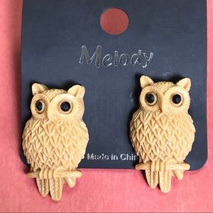 Owl Post Earrings Tan Jewel Eyes